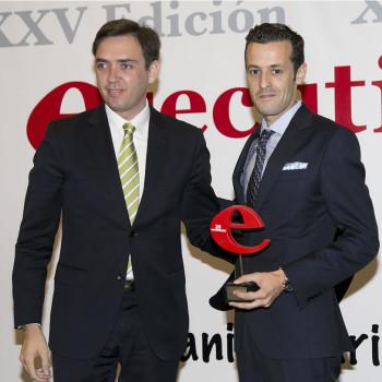 rubén calvo recibe el premio a la proyección empresarial
